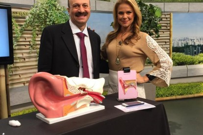 Dr. Jamal Azzam com Carol Minhoto no Programa Você Bonita da TV Gazeta, junho de 2015