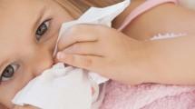 Como ensinar a criança a assoar o nariz