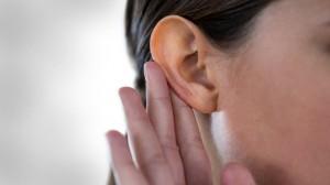 Não localizar som que vem de trás + 4 sinais indiretos de problemas de audição