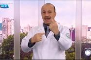 Médico mostra quais os cumprimentos ideais para evitar contaminação